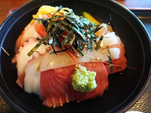 厚生食堂海鮮丼